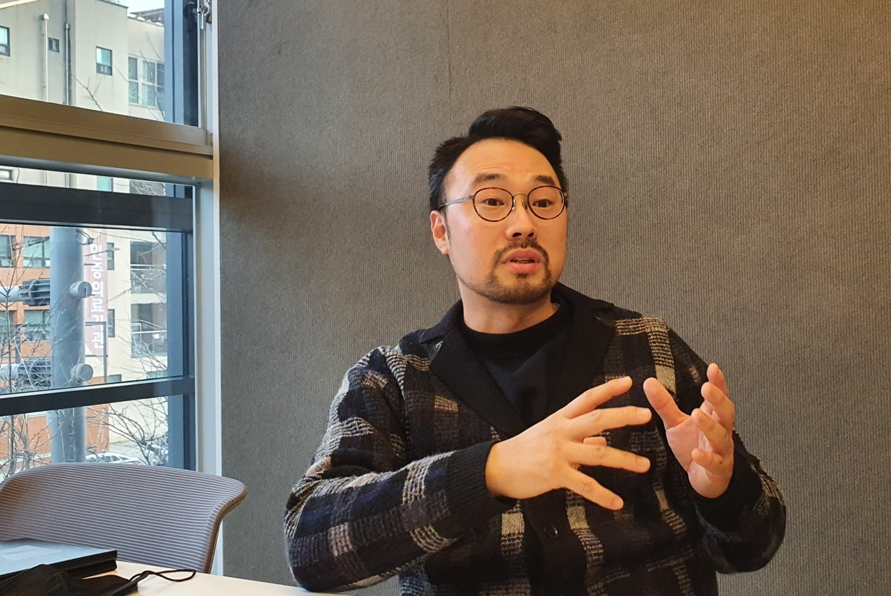 JAKE E&M's Jeong Hyo-jin (38) holds an exclusive interview with [Business Report] to explain future plans and others.
